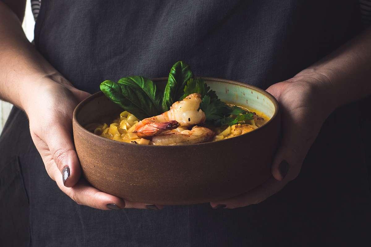 curry de camarão thai